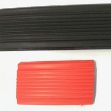 high-contrast standard colours: black (~ RAL 9005), red (~ RAL 3003) according to DIN