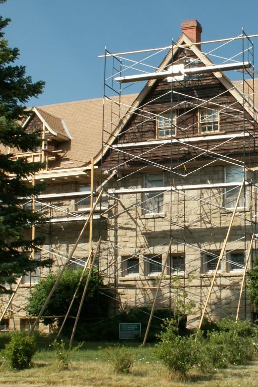 Bracing Large Sections Scaffolding systems of four levels or more must be secured to the structure on the third level or higher with an approved brace.