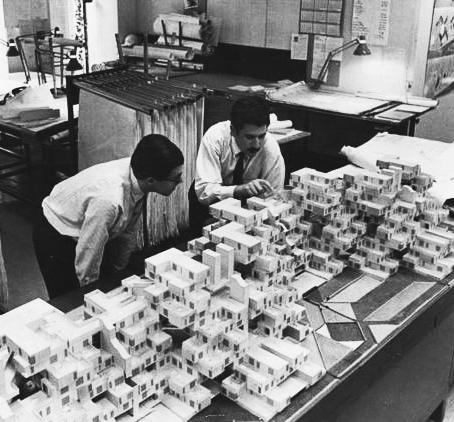 Figure 4.1 Moshie Safdie working on his Habitat 67 model. Montreal, 1967 The orthogonal grid, cubic mesh, and frame structure release the composition to infi nity.