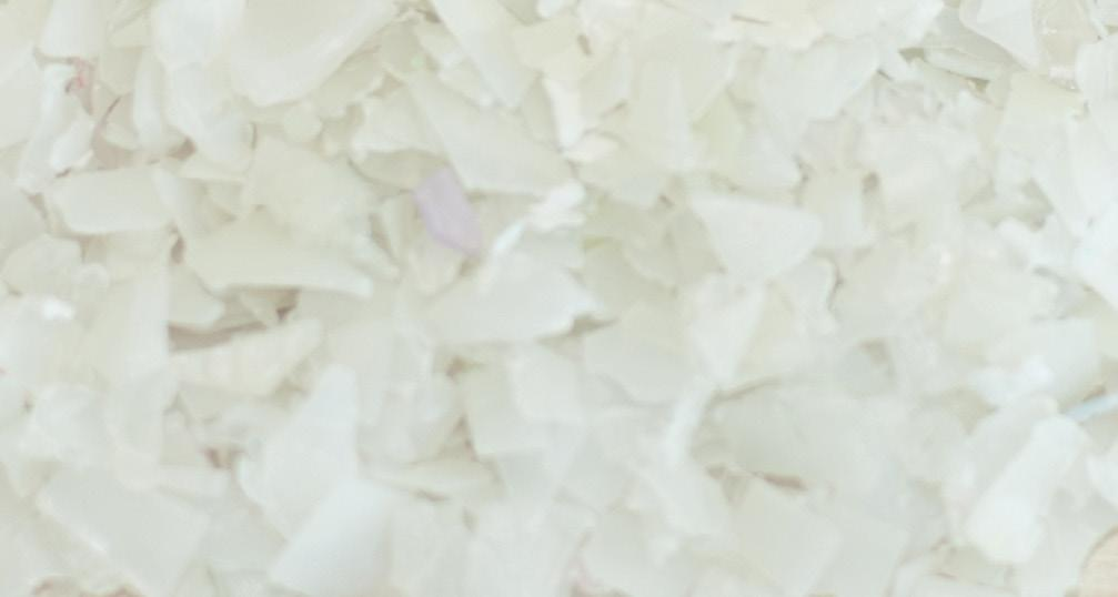 polymers such as PVC, PS, PA, PE and PC from clear, blue and multi-coloured PET flakes.