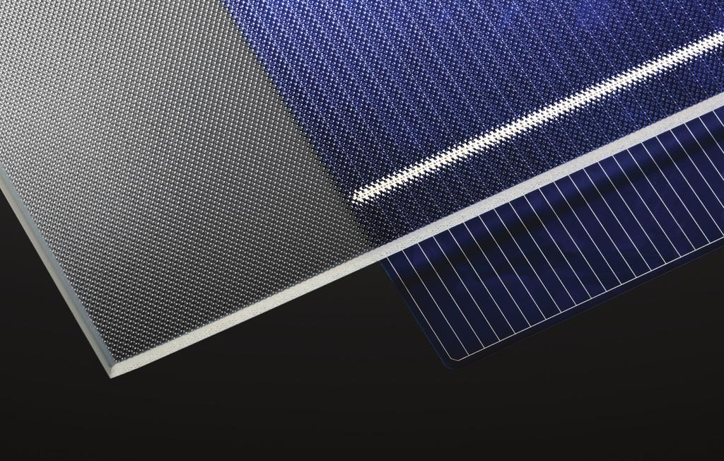 Combined with the excellent durability of glass, SOLITE is the product of choice for photovoltaic modules (crystalline and CIGS, where its pattern allows for an easy lamination) and for thermal