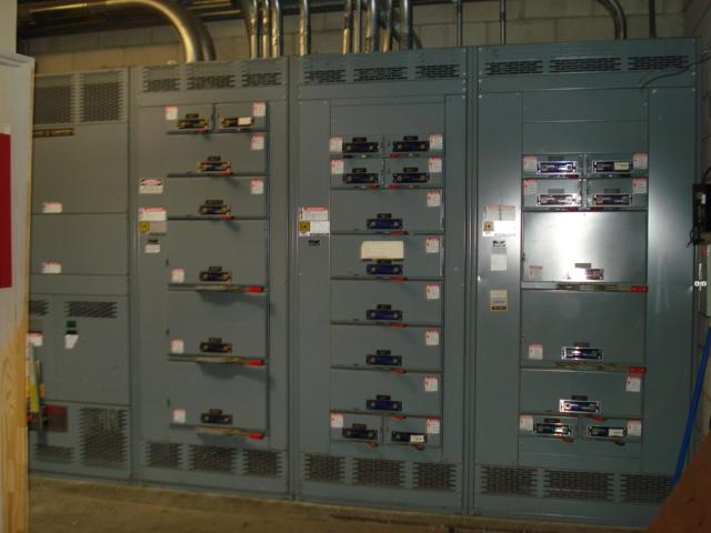 The grocery store is equipped with a 3000-amp 208v/120v 3 phase four wire system.