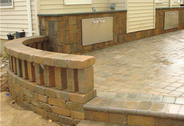 Landscape/Retaining Walls with Planter