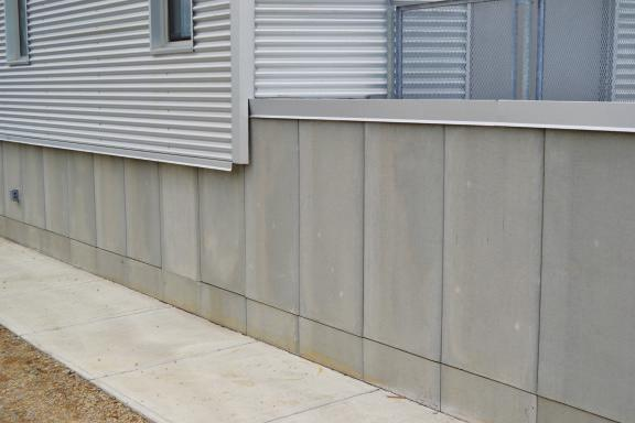 WallGUARD panels consist of Styrofoam brand extruded polystyrene insulation with a factory applied 5/16 thick brushed latex-modified concrete facing.