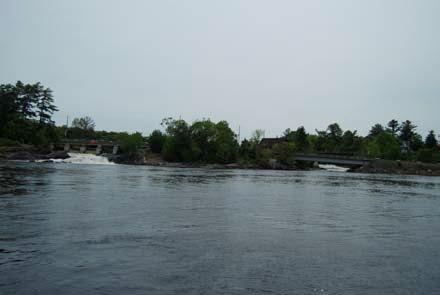 (See Appendix 3 Maps: Watershed ) Water Access, Islands and Dams Water access for boating on the River is mainly via a public boat launch maintained by the Township of Muskoka Lakes.