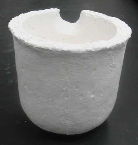 Porous alumina castable 900-950 a) b) c) Figure 23 a) Standard alumina castable, b) low-density magnesia and c) new alumina