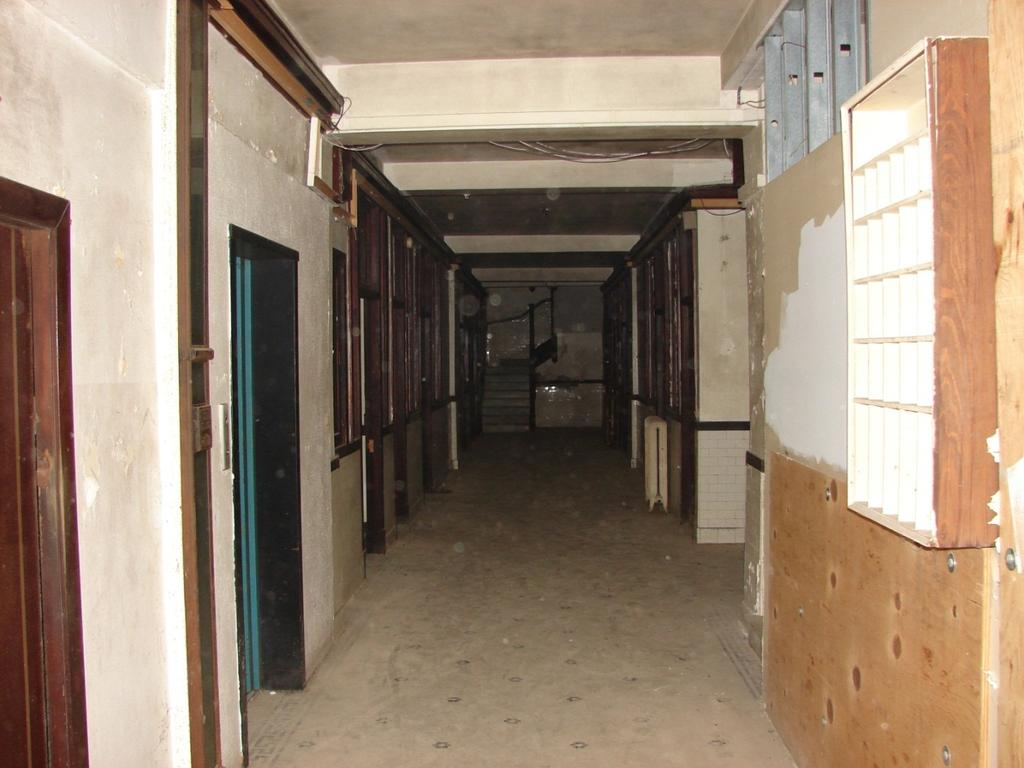 Thompson Building, Hallway with