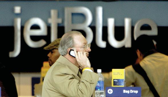 152 PART 3 ORGANIZING Justin Lane/PhotoLibrary/Index Stock Imagery When you call to book a flight with JetBlue Airlines, there s a good chance that you ll make a reservation with an agent working