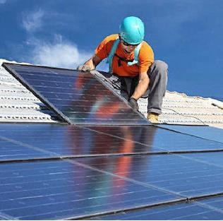 Solar Projects Falling Tariff in India MONTH AGENCY SOLAR PROJECT IN JUL-15 SKY POWER MP Rs 5.05 NOV-15 SUNEDISON AP Rs 4.63 FEB-16 FORTRUM MP Rs 4.