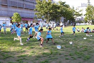 Tokyo ) is a project to invite the children living in orphanages in Fukushima to Tokyo and give them memories of summer holidays spent with smiles.