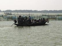 Fishing in Chilika Polychaetes, Copepoda, Ostracoda, Isopoda, Amphipoda, Gastropods and Lamellibranchs.