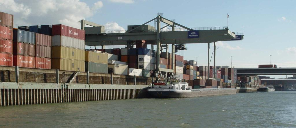 Container Terminal Mühlau M Docks 30% of COB arrive/leave by rail (Spain,