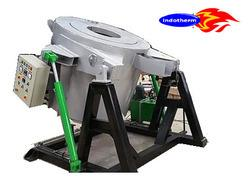 CRUCIBLE FURNACE FOR
