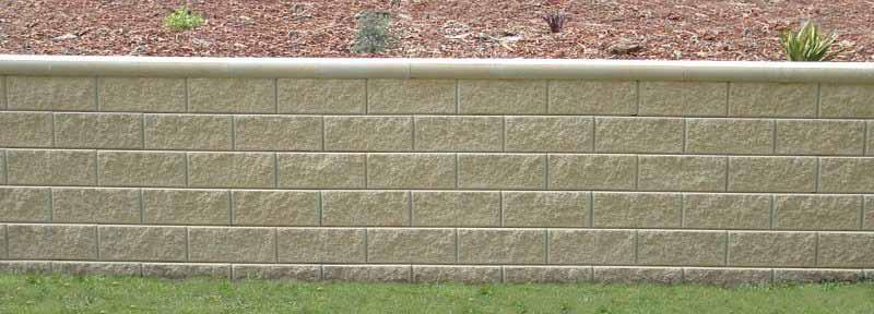 Clipstone Clipstone retaining wall is an interlocking system for general purpose applications up to 960mm in height.