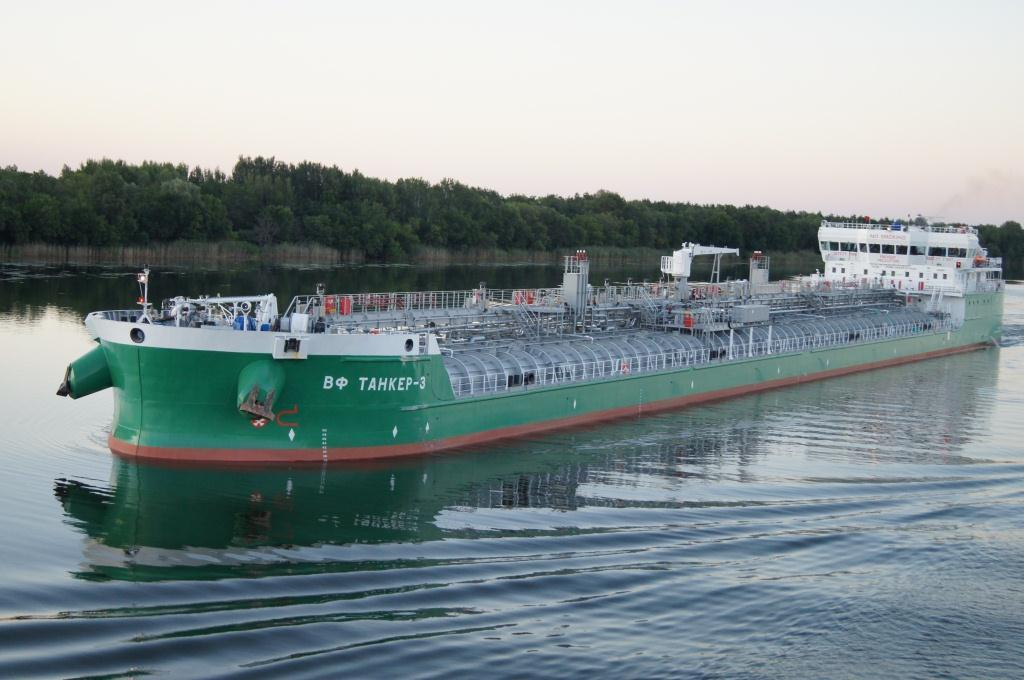 Current shipbuilding projects: 22 river-sea tankers under RST27 project 2011 2013 Customer: