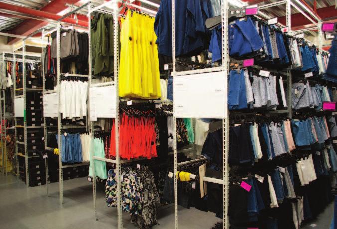 FULLY ADJUSTABLE RETAIL GARMENT HANGING SOLUTION Double Sided Simple beam and upright storage system makes it ideal for retail, stockrooms, laundry operations and workplace clothing storage.