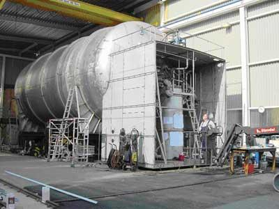 LNG PROPULSION EQUIPMENT LNG Tank Vacuum insulated Double skinned Type-C tank Stainless steel inner tank Integral cold box / tank room Contains master gas valve Vaporizer (heat exchanger)