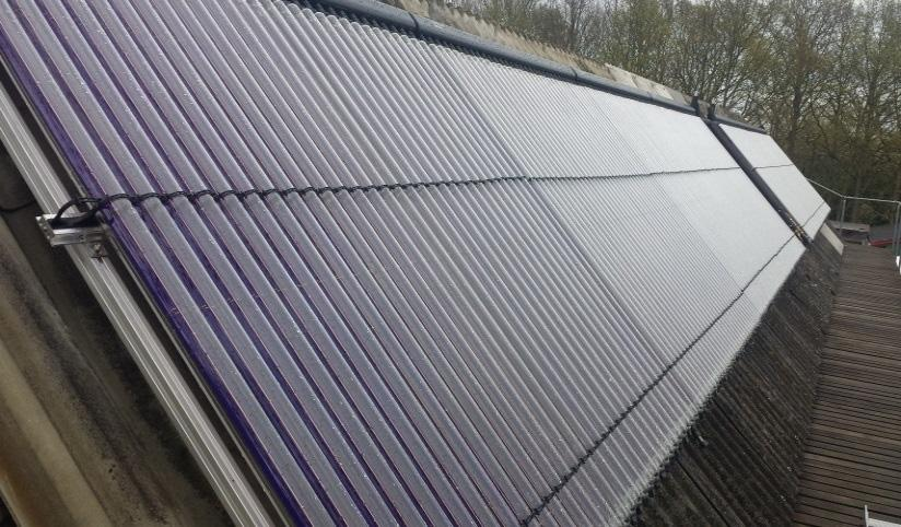 This relatively large solar collector array was chosen in order to have the individual modules heated to a material temperature of at least 80 C, even in the winter, which enables stable supercooling.