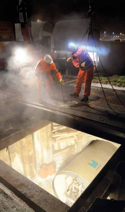 Relining of stormwater sewer at Zürich airport (Switzerland) Challenging nighttime rehabilitation of a concrete