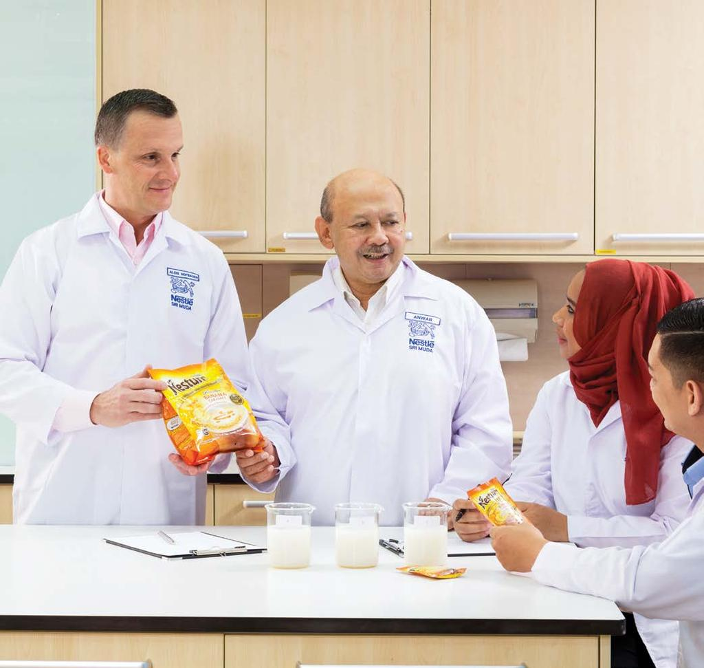08 NESTLÉ IN SOCIETY REPORT 2016 A MESSAGE FROM OUR CHAIRMAN AND OUR CEO G4-1, G4-2 On behalf of the Board of Directors, we are pleased to present the Nestlé in Society Report of Nestlé (Malaysia)