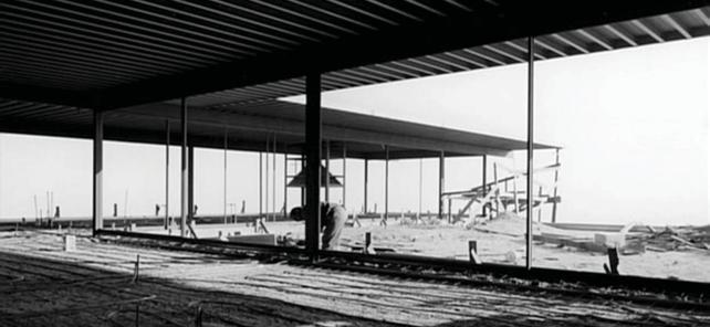 Figur 2.6 Pierre Koening. Case Study House #22 construction phase. Los Angeles, USA. 1960 STANDARDIZATION.